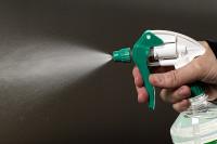 Sprühnebel entsteht während der Anwendung des FT 300 Reiniger